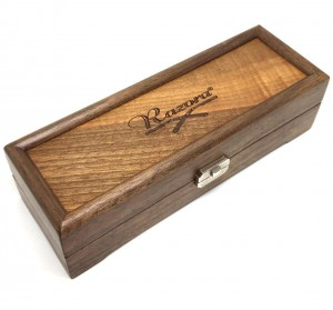 Razora Straight Razor Box for Three Razors, Walnut - Thumbnail