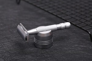 Yaqi Tıraş Makinesi Standı - Thumbnail
